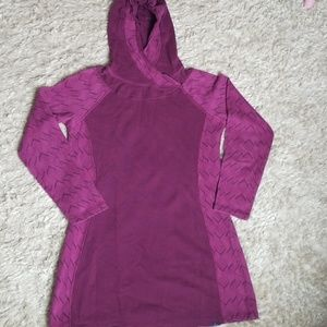 Prana Top with hood & long sleeves